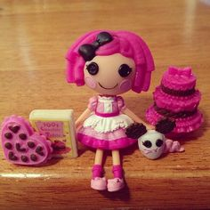40. Crumbs Loves Chocolate Valentine's Day 2013 Mini Crumbs Sugar Cookie