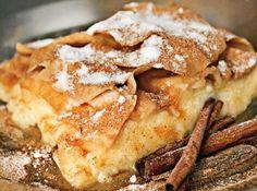 Γαλακτομπούρεκο, το παραδοσιακό, το σωστό Greek Sweets, Apple Pie, Food Photography, Food Porn, Baking, Eat, Greek Beauty, Desserts, Recipes
