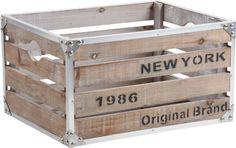 Rangez tout ! Mais dans un esprit Vintage... Cette caisse en bois sera idéale pour stocker et donner un style très industriel ou vintage. Dimensions : 40 x 30 x 22 cm. Astuce : vous pouvez l'accrocher au mur pour en faire une étagère....