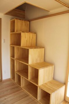 Attic Stairs Diy Basement Steps Ideas For 2019 Country House Interior, Dream House Interior, Interior Stairs, Living Room Interior, Apartment Interior, Living Rooms, Apartment Layout, Apartment Living, Loft Staircase