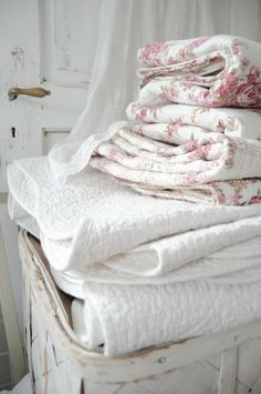 Pretty Basket of Linens, with a mix of Rose Print Throws ~ and a Touch of Lace~❥