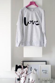 la moda , l'amore e la scrittura , scopritela su @periodicoonline  http://www.periodicodaily.com/2015/03/19/elena-schiavon-la-moda-e-lamore/ … :)