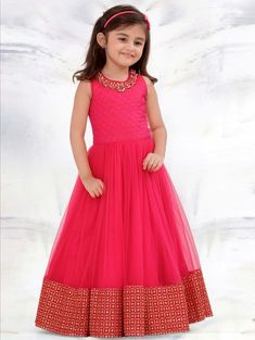 Designer Gowns for Girls. Buy online children's gowns dresses & frocks at best price for 1 to 16 years girls. Shop girls designer gowns for Wedding, Birthday, Party & Festival wear. Kids Party Wear Dresses, Kids Dress Wear, Kids Gown, Kids Party Wear Frocks, Kids Wear, Gowns For Girls, Frocks For Girls, Dresses Kids Girl, Long Frocks For Kids