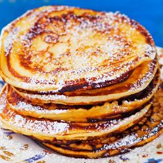 Syrnikit eli rahkaräiskäleet | Leivonnaiset | Yhteishyvä Healthy Breakfast Recipes, Healthy Baking, Baking Recipes, Snack Recipes, Finnish Recipes, Pancakes, Cocktail Desserts, I Love Food, Food Inspiration
