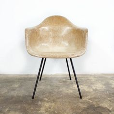 Hey, I found this really awesome Etsy listing at http://www.etsy.com/listing/159337017/early-production-charles-eames-herman
