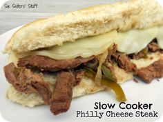 Recipes To Try / Slow Cooker Philly Cheese Steak Sandwiches. Simple to throw together and cooks all day for a delicious meal! Crock Pot Recipes, Slow Cooker Recipes, Beef Recipes, Cooking Recipes, Crockpot Meals, Burger Recipes, Cooking Tips, Philly Cheese Steak Sandwich, Steak Sandwiches
