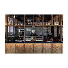 #Küssnacht #ig_zurich #zürichgehtaus #zurichrestaurant #zhwelt #architektur #architekturfotografie #gastronomie #interiordesign #swissarchitecture Swiss Architecture, Interiordesign, Liquor Cabinet, Storage, Furniture, Home Decor, Fine Dining, Architecture, Purse Storage