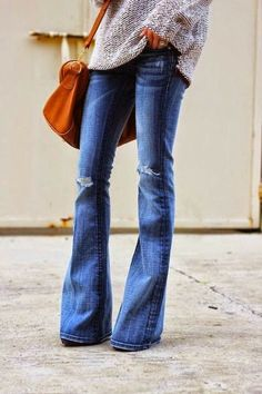 Even though I detest flare jeans, this is the right way to wear them. thumbs up.