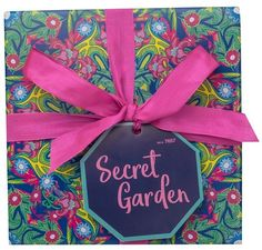 Secret Garden (gave) Lush, Gift Wrapping, Tableware, Garden, Gifts, Gift Wrapping Paper, Dinnerware, Garten, Presents
