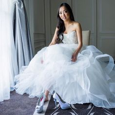 great vancouver wedding Loved our bride in her @moniquelhuillier gown from @bisou_bridal makeup by @bluejasminebeautygroup @jasminehoffman using @noirlashlounge lashes  #Repost @modelexpressvancouver ・・・ Looking for bridal shoes? #Modelexpressvancouver #vancouverbride #vanwedding #bride #bridalfashion #vancity #notjuststrippershoes #bluejasminebeautygroup #makeupartist #makeupbyjasmine by @jasminehoffman  #vancouverwedding #vancouverweddingdress #vancouverweddingmakeup #vancouverwedding