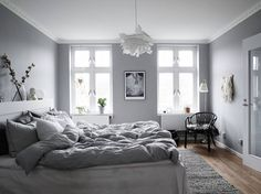 stadshem.se grey apartment wooden beams makeahome.nl
