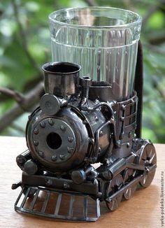 Купить Подстаканник-паровоз - серебряный, подстаканник, паровоз, стимпанк, steampunk, ржд, день железнодорожника, сталь Metal Art Projects, Welding Projects, Sheet Metal Art, Sculpture Art, Sculptures, Zinn, Junk Art, Steampunk Costume, Welding Art