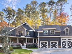 Gray Exterior Paint Colors and Ideas   Hunker Exterior Gray Paint, House Paint Exterior, Exterior House Colors, Bungalow Exterior, Craftsman Cottage, Grey Houses, Grey Paint Colors, House Painting, Architecture Details