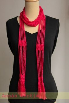 How to crochet a Skinny Scarf... pictures..This isn't in english, but it's good inspiration for such a cool scarf/necklace.