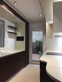 Decoration, Bathroom Lighting, Mirror, Architecture, Tv, Interior, Furniture, Home Decor, Wood Veneer