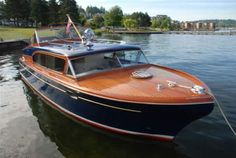 Chris Craft - LadyBen Classic Wooden Boats for Sale Chris Craft Wooden Boats, Wooden Boats For Sale, Wooden Boat Kits, Wooden Boat Building, Wooden Boat Plans, Boat Building Plans, Riva Boot, Ski Nautique, Classic Wooden Boats