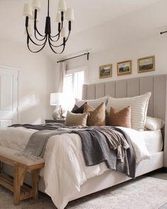 Home Decor Bedroom, Modern Bedroom, White Bedroom Walls, Cozy Master Bedroom Ideas, Dark Teal Bedroom, Natural Bedroom, Modern Farmhouse Bedroom, Master Bedroom Design, New Beds