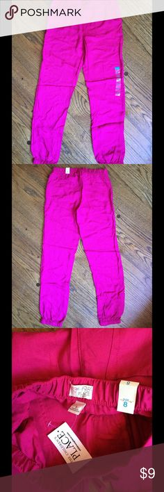 Girls Lightweight Jogger Pants NWT Girls Fuchsia lightweight comfy jogger pants. Elastic waistband and elasticized ankle cuffs. 2 pockets in front and 2 in back. Great for spring and summer. Can be dressy too.  No stains, holes or tears. Size 8 Children's Place Bottoms Casual