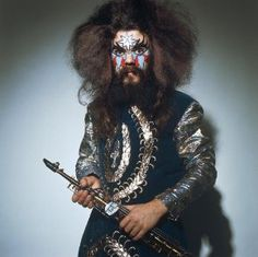 amazing rock with roy wood Roy Wood, Glam Rock, First Nations, The Beatles, Musicians, Bands, Glitter, Vintage, Amazing