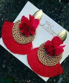 Red chunky earrings Cute Jewelry, Diy Jewelry, Handmade Jewelry, Jewelry Making, Bead Earrings, Crochet Earrings, Newspaper Basket, Piercings, Diy Accessories