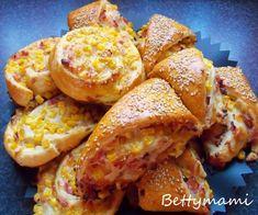 Töltött háromszög és csiga | Betty hobbi konyhája Canapes, Baked Goods, French Toast, Bakery, Food And Drink, Breakfast, Recipes, Morning Coffee, Recipies
