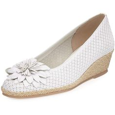 Sesto Meucci Mae Floral Wedge Espadrille (13,535 INR) ❤ liked on Polyvore featuring shoes, sandals, white, wedge espadrilles, flower sandals, metallic wedge sandals, floral wedge sandals and white wedge shoes
