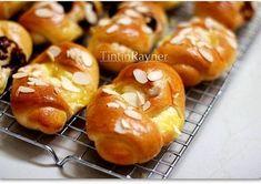Roti Manis NCC empukk,resep resep bisa u/ roti+isian ^. Healthy Breakfast Muffins, Breakfast Pancakes, Best Breakfast Recipes, Roti Bread, Bread Bun, Bread Cake, Bakery Recipes, Cooking Recipes, Bread Recipes