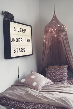 kids bed//light garland..