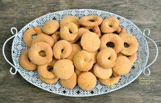 Κουλουράκια ή μπισκότα ζαχαρωτά, με ελαιόλαδο, γάλα και αυγά - cretangastronomy.gr Macarons, Doughnut, Cereal, Cookies, Breakfast, Desserts, Food, Crack Crackers, Morning Coffee