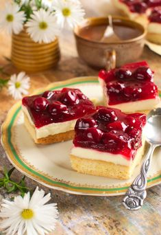 Ciasto z wiśniami i mascarpone Sweet Recipes, Cake Recipes, Serbian Recipes, Serbian Food, Polish Recipes, Polish Food, How Sweet Eats, Something Sweet, Food Design
