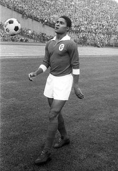 Eusebio - 1966 Golden Boot Winner. Get your FREE DOWNLOAD of the SportsQuest app at www.sportsquestapp.com @SportsQuestApp