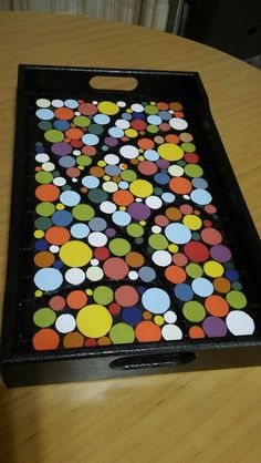 Diy Home Crafts, Arts And Crafts, Black Grout, Pebble Stone, Mosaic Ideas, Trays, Cube, Heaven, Creative