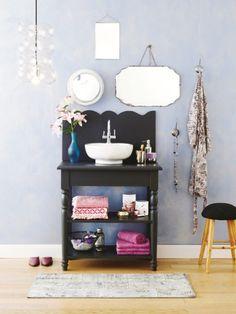 Wir mödeln Ihr altes Waschbecken auf und setzen es mit einem neuen Waschtisch ganz neu in Szene.