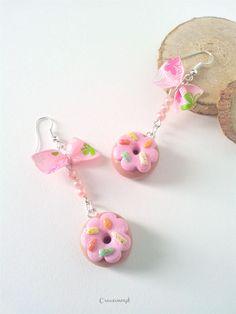 Boucles donuts porcelaine froide perles et noeud https://www.alittlemarket.com/boucles-d-oreille/fr_boucles_d_oreilles_porcelaine_froide_fimo_a_froid_donuts_perles_et_noeud_marron_rose_-17718301.html