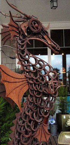great sculpture from old horseshoes!! I will make this someday!! I can do this, I can see it in my mind