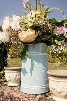 A Relaxed, Outdoor Garden Wedding for a Bride Who Made Her Own Dress… Wedding Show, Our Wedding, Wedding Ideas, Outdoor Wedding Decorations, Vintage Party, Dresses Uk, Garden Wedding, Pop Up, Bride