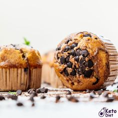 Keto Chocolate Chip Muffins are a great little snack when you're on the road, or trying to have a healthy little dessert bite that kills those sugar cravings. Keto Chocolate Chips, Chocolate Chip Muffins, Ketogenic Recipes, Keto Recipes, Keto Pregnancy, Keto On The Go, Keto Burger, Ketones Diet, Keto Diet Benefits