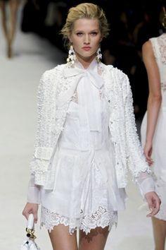 In Moda Veritas: OH MY TREND! #13 || Pure White