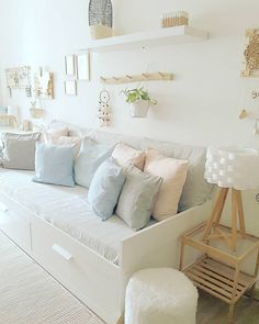 Decorating small spaces: a mini floor of Girl Bedroom Designs, Room Ideas Bedroom, Small Room Bedroom, Bedroom Decor, Day Bed Decor, Nursery Ideas, Daybed Room, Ikea Daybed, Guest Room Office