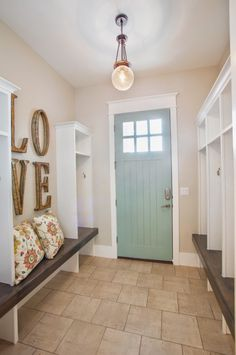 Superb House of Turquoise: Highland Custom Homes: very pretty, for the mud room? The post House of Turquoise: Highland Custom Homes: very pretty, for the mud room?… appeared first on Etty Hair Saloon . House Of Turquoise, Turquoise Door, Style At Home, Future House, Boho Home, Transitional Decor, Transitional Kitchen, House 2, First Home
