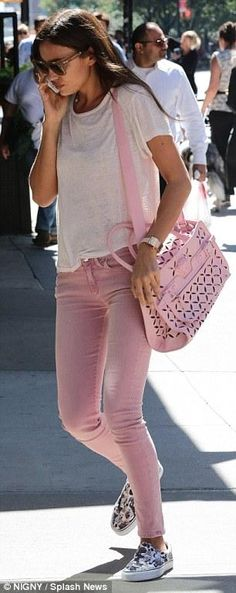 Irina Shayk wearing Celine Cl 41076/S Tilda Gky/Pp Sunglasses, Versace. Pink Palazzo Perforated Tote, Vans x Aspca Slip on Puppies, Hudson | Nico Skinny Twill Ankle Jeans and Etoile Keiran Linen T-Shirt
