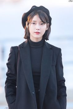 Image about hair in Style Iu Fashion, Korean Fashion, Style Fashion, Girl Crushes, Beautiful Asian Women, Beautiful People, Iu Short Hair, Korean Celebrities, Celebs