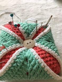 코바늘 핀쿠션/만드는 방법 : 네이버 블로그 Blanket, Crochet, Fabric, Tejidos, Tejido, Tela, Ganchillo, Cloths, Blankets