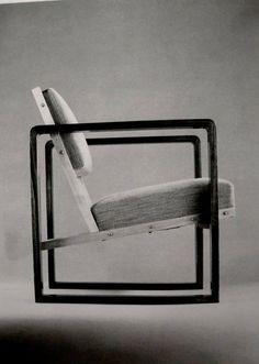 Bauhaus chair by Josef Albers Bauhaus Furniture, Cool Furniture, Modern Furniture, Furniture Design, Bauhaus Chair, Furniture Outlet, Discount Furniture, Furniture Ideas, Geometric Furniture