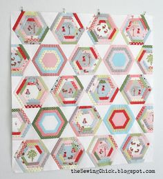 Hexagon Quilt Tutorial - so much easier to sew with triangles, I'm guessing, that straight up hexagons.