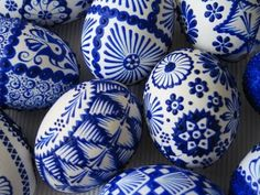 Blue easter eggs Egg Crafts, Arts And Crafts, Ukrainian Art, Egg Art, Easter Holidays, Egg Decorating, Seasonal Decor, Happy Easter, Painted Rocks