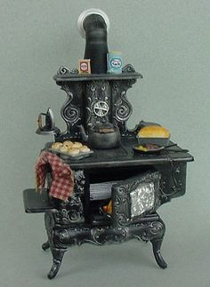 Kitchen Stove - Antique Style