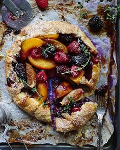 When you have abundance of fruits, you bake Galette! Healthy Desserts, Fun Desserts, Delicious Desserts, Dessert Recipes, Almond Pastry, Almond Flour, Galette Recipe, Good Food, Yummy Food