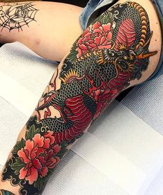 Japanese leg tattoo by @tomtom_sunsettattoo. #japaneseink #japanesetattoo #irezumi #tebori #colortattoo #colorfultattoo #cooltattoo #largetattoo #legtattoo #dragontattoo #flowertattoo #peonytattoo #traditionaltattoo #blackwork #blackink #blacktattoo #wavetattoo #naturetattoo