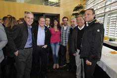Visita de los Moros d'Alqueria a la Bodeguilla del periodico Mediterraneo, con su director Jose Luis Valencia